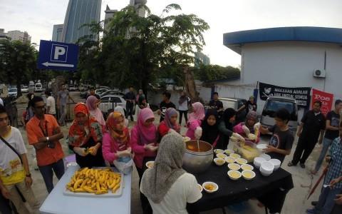 Dapur Jalanan Ajak Tengku Adnan Lihat Keadaan Sebenar Warga Miskin Kota