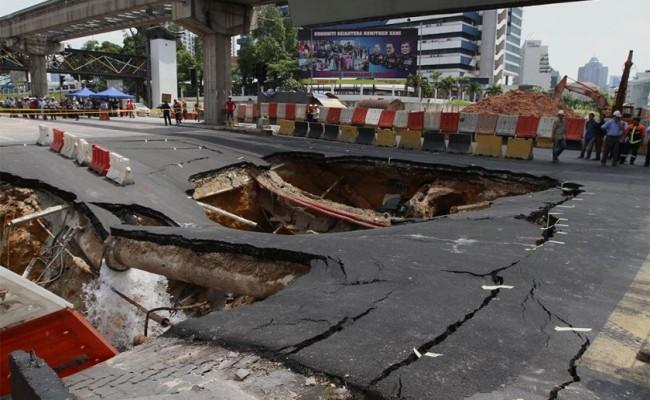 terowong_jalan_imbi_runtuh