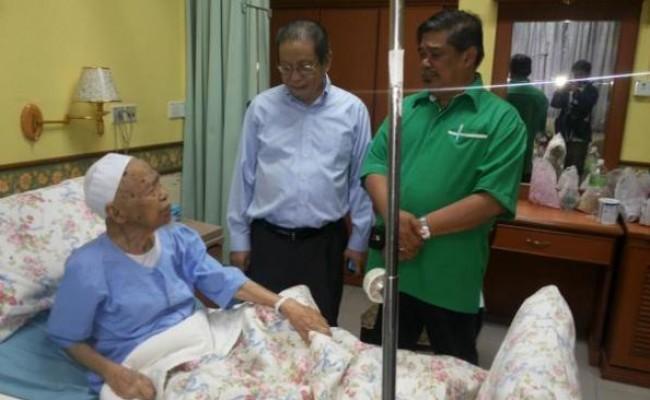 Lim Kit Siang lawat Nik Aziz