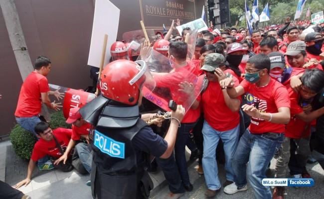 Baju Merah-715315