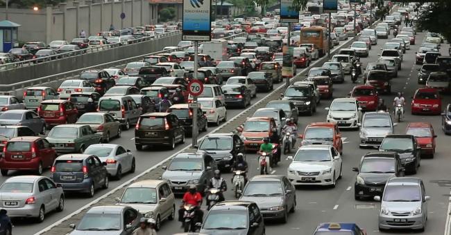 malaysia-mobil-traffic-jam-pond5