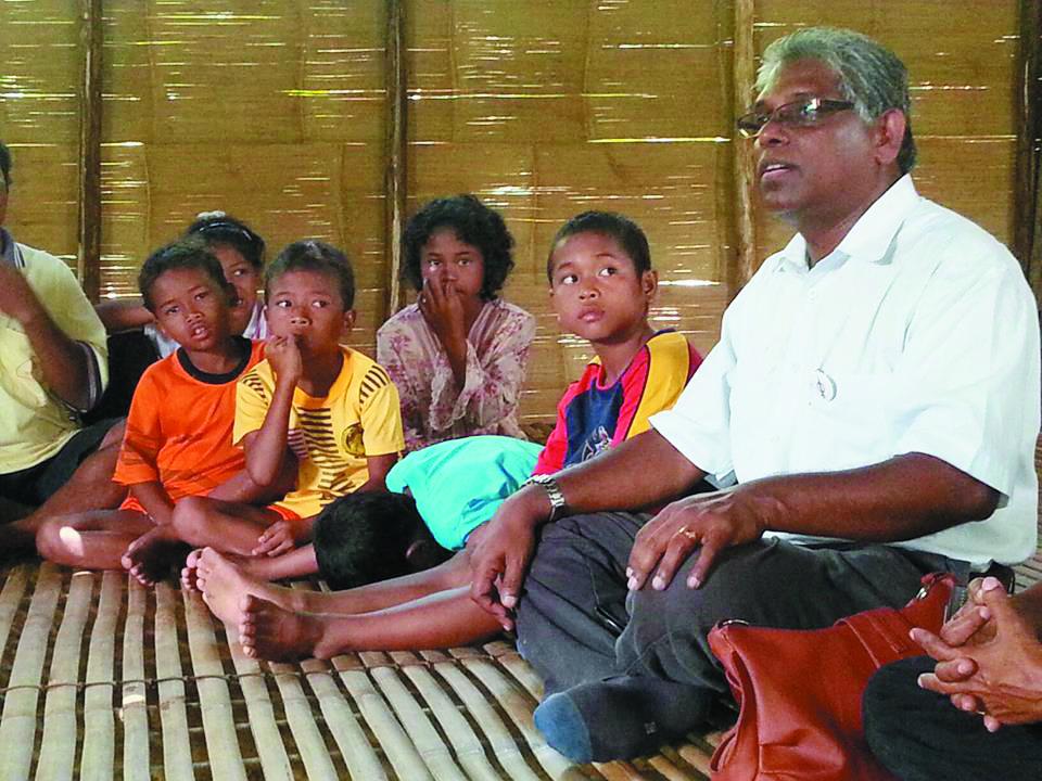 Image result for M. Manogaran bersama orang asli cameron